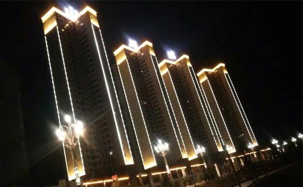 【贵州】常驰山与城线条灯亮化