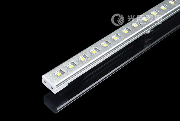 25*15闪亮银铝材LED线条灯